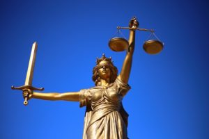 Каким должен быть профессиональный адвокат